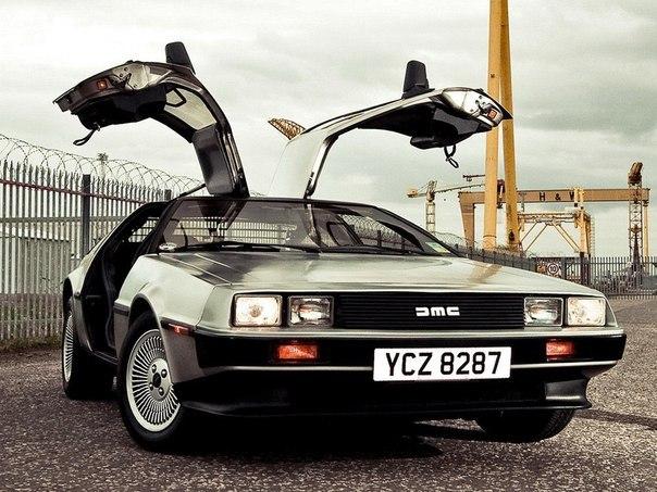 Машина из «Назад в будущее»: её выпуск возобновится