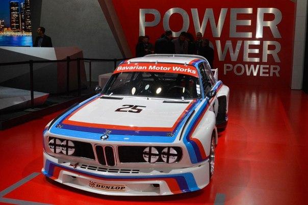 BMW возродил гоночный автомобиль 3.0 CSL